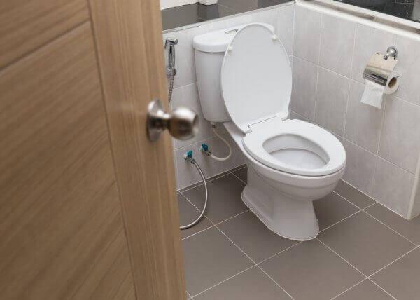 Commercial Toilet & Urinal Repair & Replacement